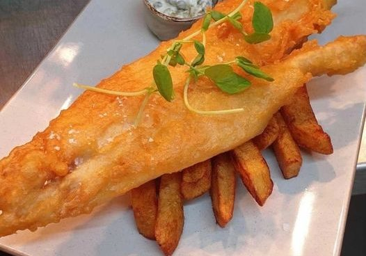Fish & Chip Friday! Who else loves a tasty plate