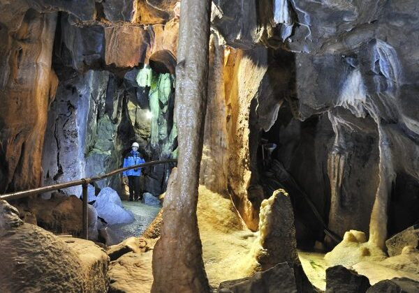 stump cross caverns cave photo 002